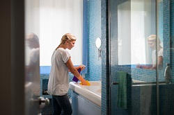 Deep Bathroom Cleaning in London